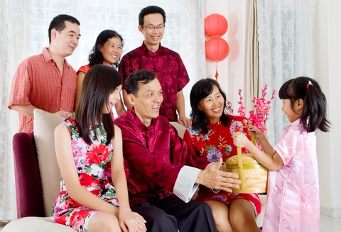 8 ways to bond with your kids this Chinese New Year