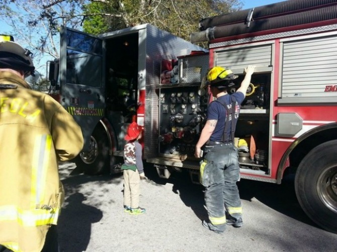 Fire engines and police cars came rushing to the scene but for a different kind of emergency!