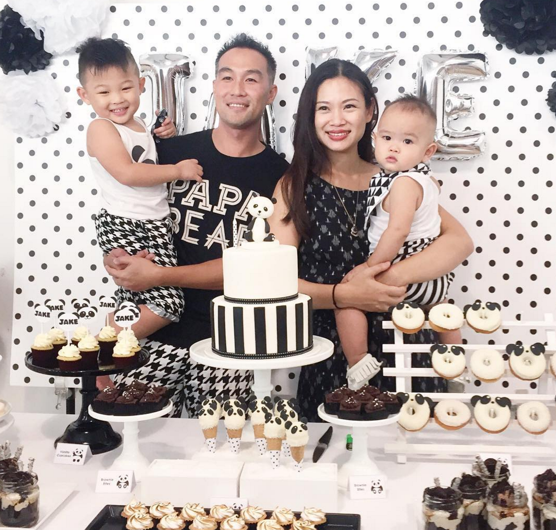 src=https://sg admin.theasianparent.com/wp content/blogs.dir/1/files/here are the singaporean mums that you should follow on instagram right now/Tjin Lee.png Here are the Singaporean mums that you should follow on Instagram right now