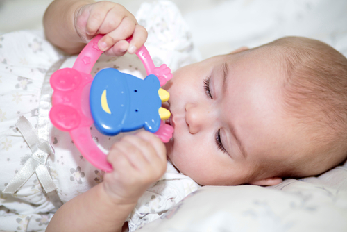 How to tell if baby is teething