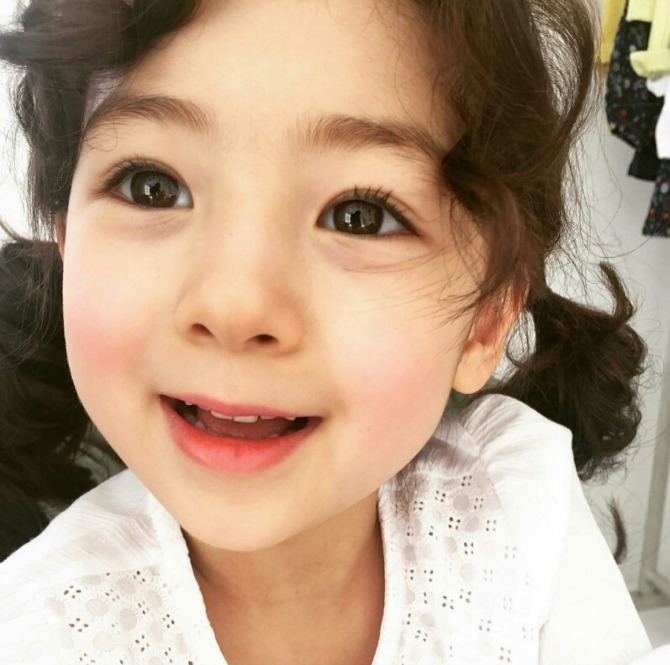 Internet deems this korean girl the prettiest toddler alive internet deems this korean girl prettiest toddler ever voltagebd Images