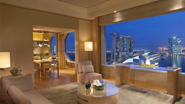 src=https://sg.theasianparent.com/wp content/blogs.dir/1/files/kid friendly staycation spots in singapore/Ritz Singapore 00186 Gallery.jpg Du lịch   Các khách sạn thân thiện với trẻ em ở Singapore