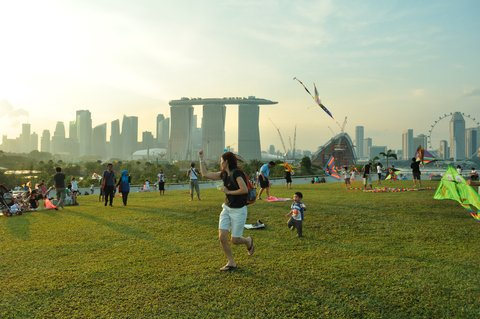 Pack a picnic and head to Marina Barrage!