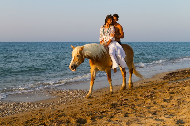 Romantic horse riding at Gallop Stables