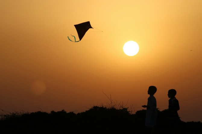 Kiting in the night