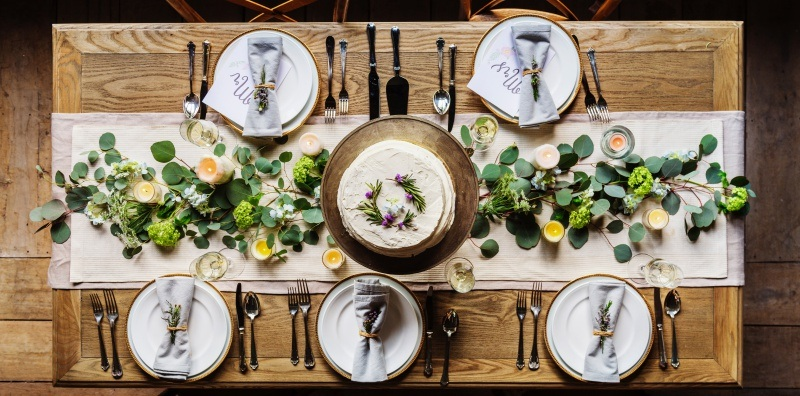Avoid awkward mealtimes by following these dining etiquette