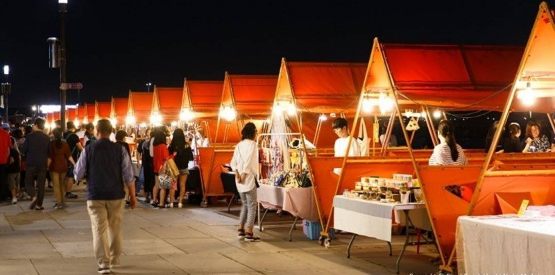 You should experience Bamdokkaebi Night Market in Seoul at least once in your lifetime - here's why