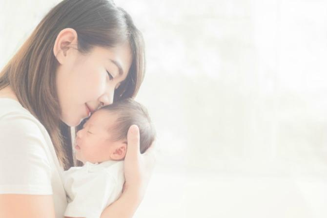 hug 3 Things your baby's insurance plan should cover (yes, that's right, baby insurance!)