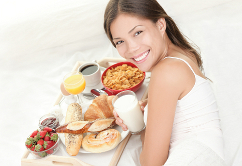 1) Treat your mum with breakfast in bed