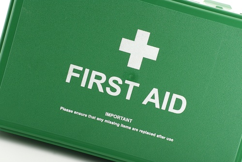 10 basic supplies in a parent's first aid kit