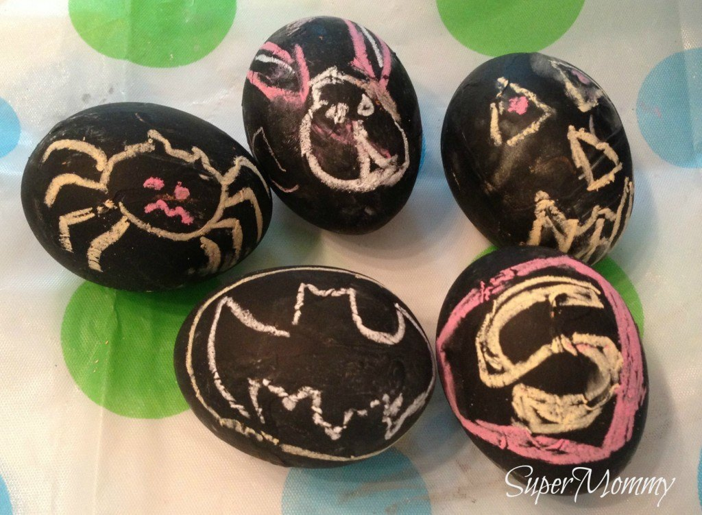 How to make chalkboard painted easter eggs - fun kids easter activity