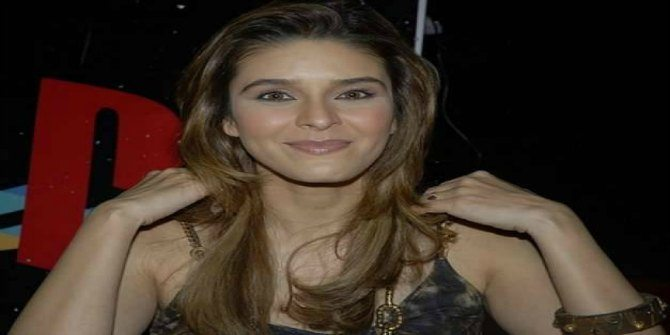 Singer Raageshwari is happy to conceive naturally at 40!