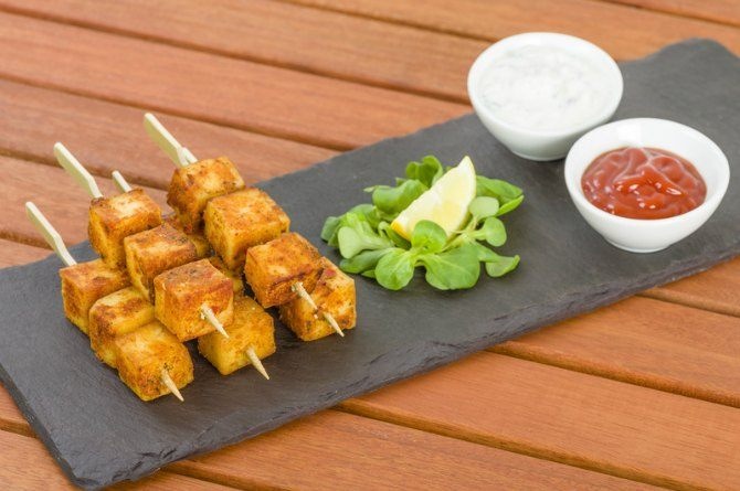 src=https://www.theindusparent.com/wp content/uploads/sites/9/2015/10/paneer satay.jpg 5 easy birthday party snack ideas that will win his heart!