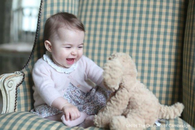 6-month-old Princess Charlotte looks beyond adorable