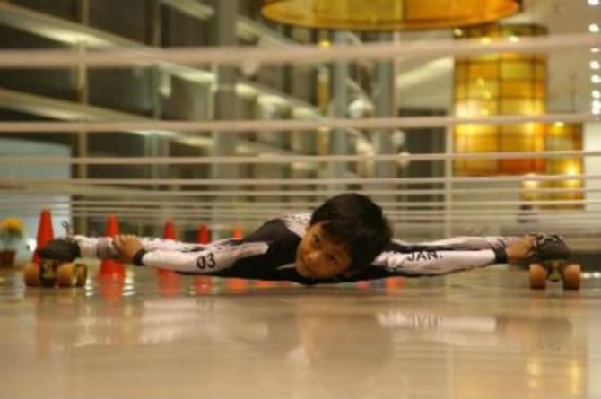 7-year-old Indian boy creates world record in limbo skating