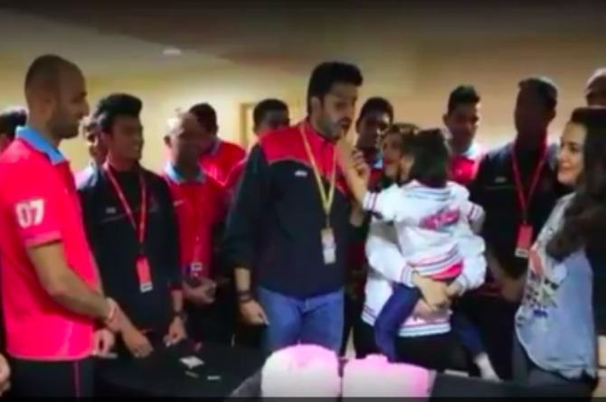 This is how Aaradhya Bachchan celebrated dad Abhishek's birthday this year