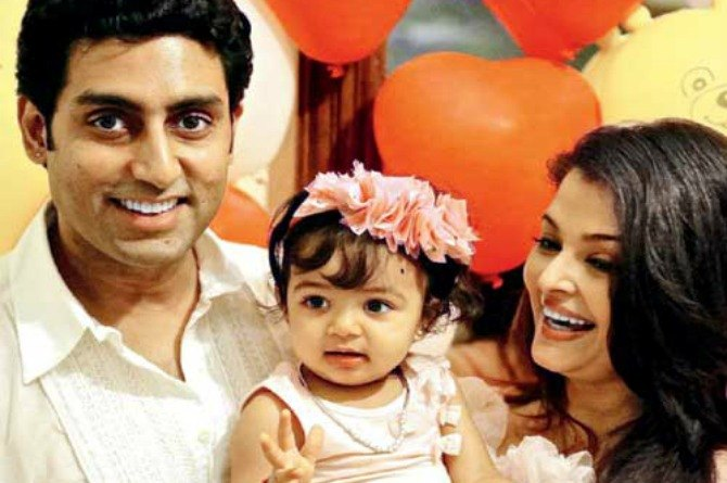 Aaradhya Bachchan loves to imitate grandpa Big B's moves