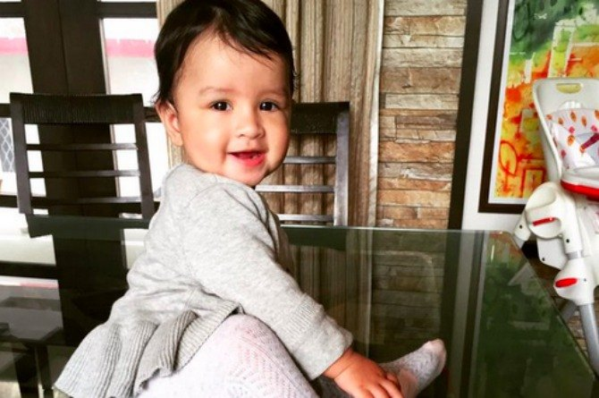 Virat Kohli's super cute selfie with Dhoni's daughter Ziva will make your day