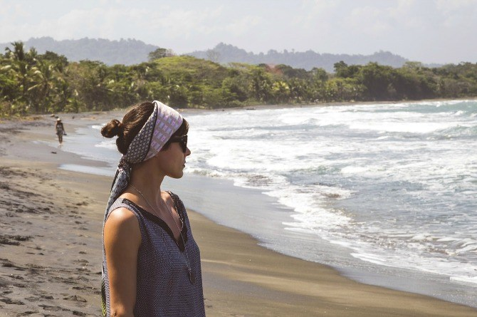 6 ways mothers should take care of their skin while travelling