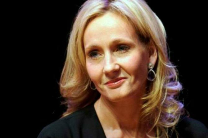 Mum thanks JK Rowling for giving her daughter strength during cancer battle