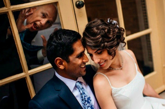 These perfectly timed wedding photobombs will make your day