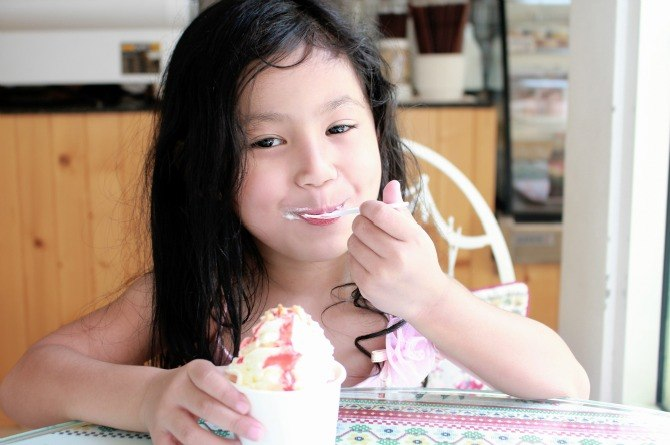 Kids who love sweets will most likely grow up obese, says study