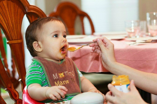 How to avoid food allergies when feeding baby