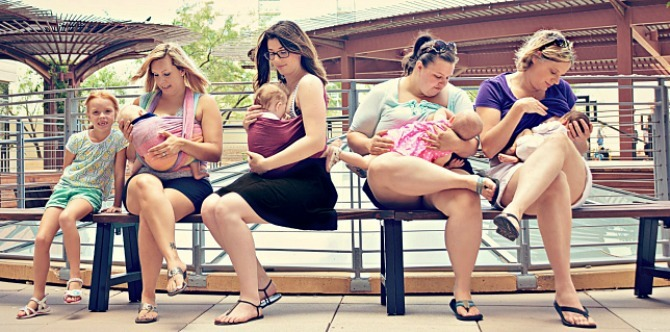 4 things that DON'T happen when mums breastfeed in public