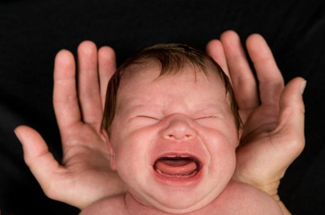 """The best way to sleep train your baby is to let him """"cry it out"""", says research"""