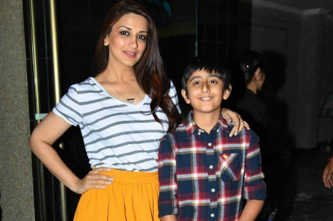 11 pictures that prove Sonali Bendre Behl is the most adorable mum!