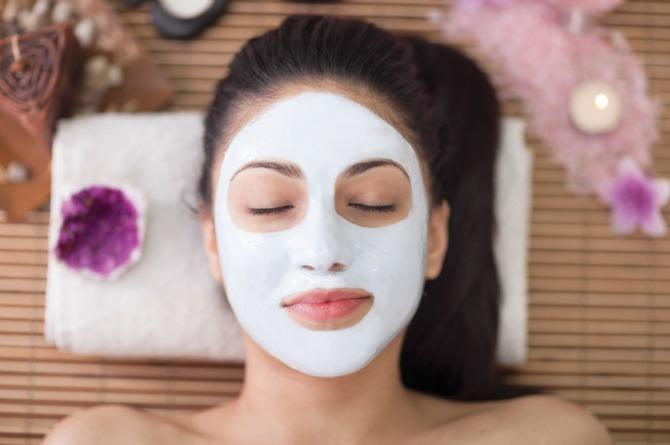 The secret is out! Shahnaz Hussain shows you how to make face packs at home!