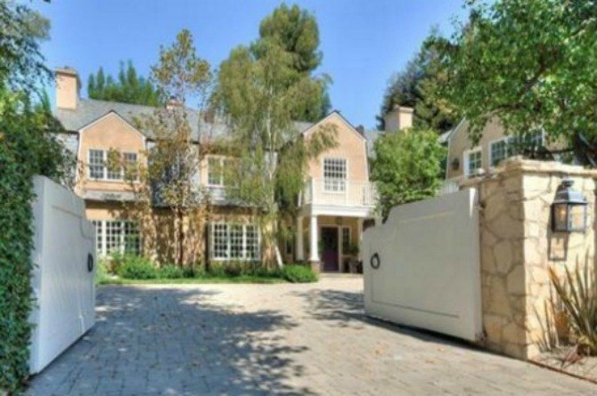 Take a peek inside singer and mum Adele's cosy new home in Beverly Hills