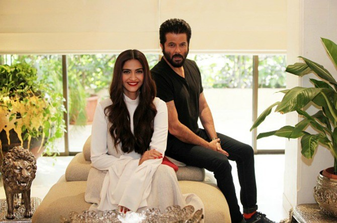 """Dad Anil Kapoor shares his two """"important lessons of wisdom"""" for his kids"""