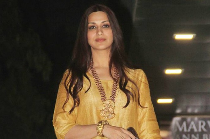 """Mum Sonali Bendre Behl has THIS to say about Salman Khan's """"rape"""" comment"""