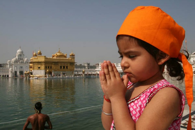 5 simple Hindi bhajans your kids can learn easily