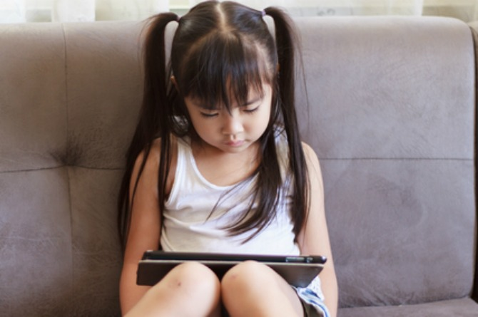 """""""I found my 8-year-old daughter watching porn on the family iPad!"""""""