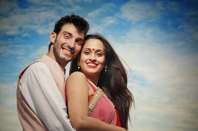 We can't get over singer Shweta Pandit's gorgeous inter-cultural wedding! (pics inside)