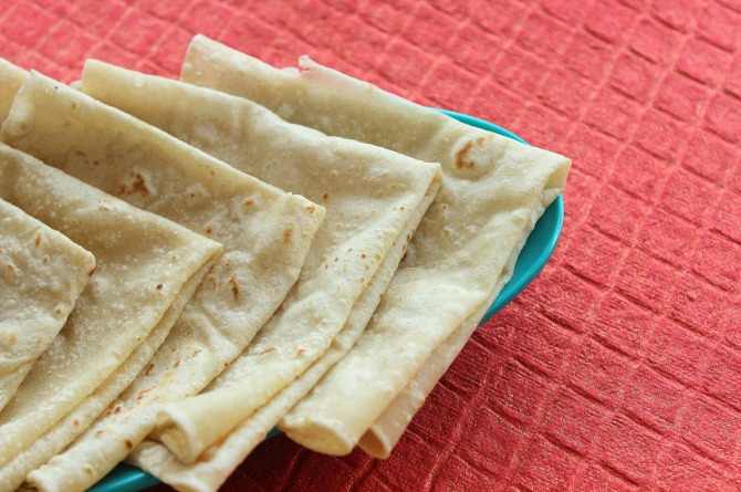 4 easy steps to make the perfect roomali roti at home