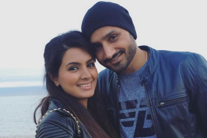 """New dad Harbhajan Singh is """"proud to be a father!"""" Here's why"""