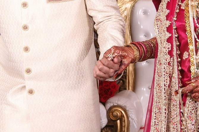 SC: Hindu husband can file for divorce if wife asks him to separate from parents