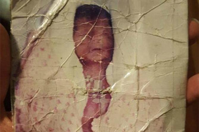Heartbreaking photo of stillborn reunited with the child's mother through Facebook