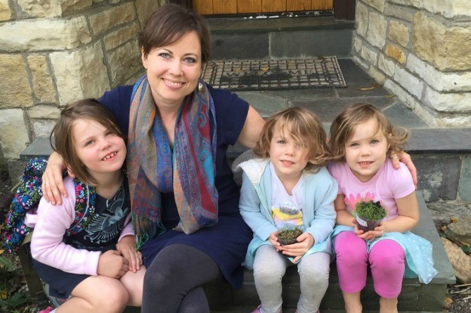 Anti-vaccination mom devastated after 3 daughters get lethal infection!