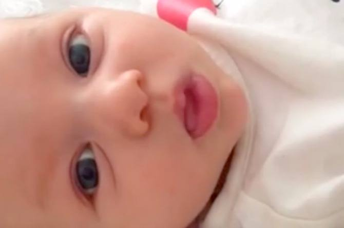 "WATCH: Amazing talking baby says ""hello"" at just 7 weeks old!!"