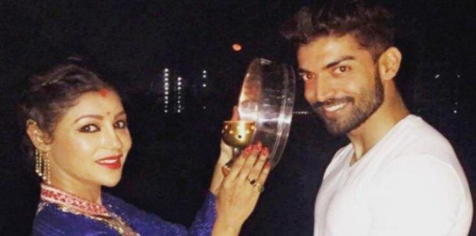 Are popular TV couple Gurmeet Choudhary and Debina Bonnerjee heading for a divorce?