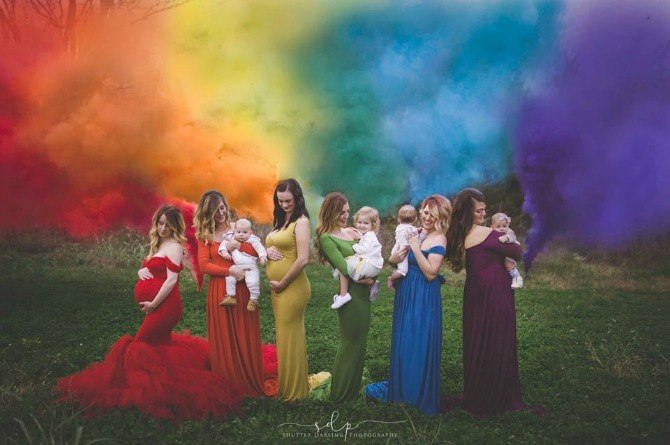 Photographer pays tribute to rainbow babies with gorgeous photo shoot