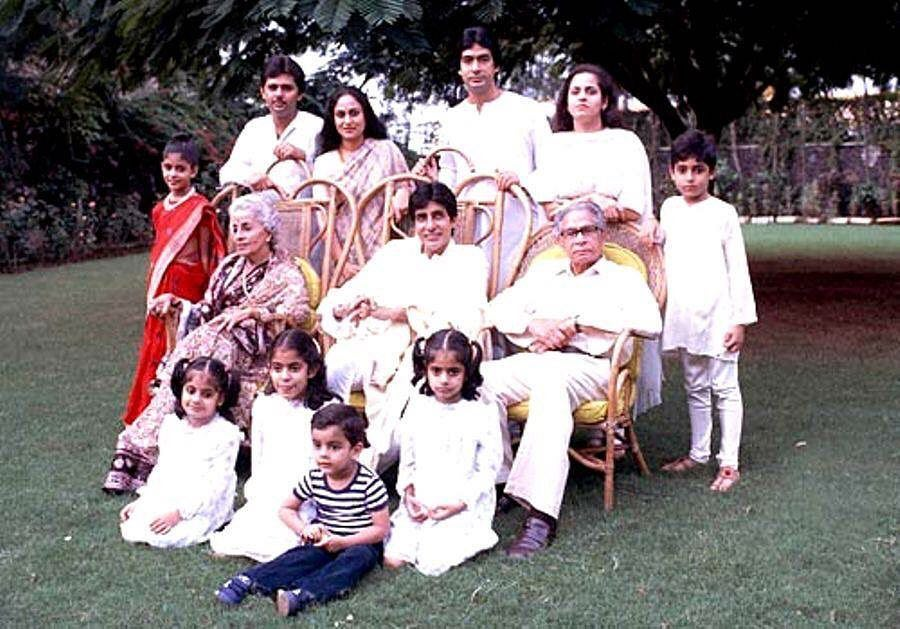 The Bachchan family picture will make you miss your extended family…