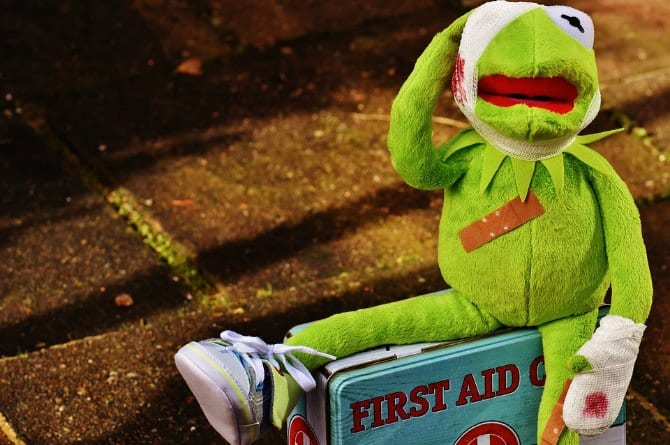 Super easy first aid tips for your little ones that all parents must know of