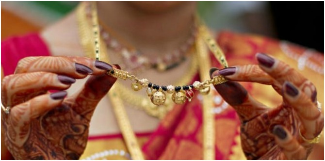 Women Are Breaking Their Gold Mangalsutra Into Pieces