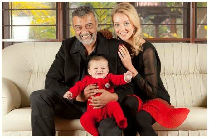 src=https://www.theindusparent.com/wp content/uploads/sites/9/2017/09/Lucky ali with son.jpg Lucky Ali's gorgeous third wife is former beauty Queen of England!