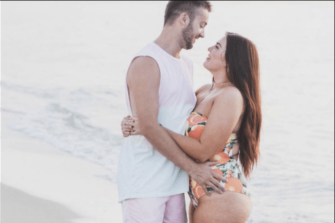 Ladies, men who have THESE wives are 10 times happier (Yes, really!)